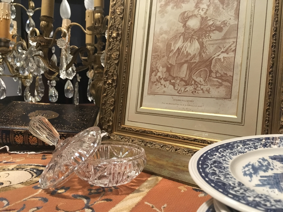 brocante, tableau ancien, candelabre ancien, livres anciens, assiette villeroy et boch, art de la table