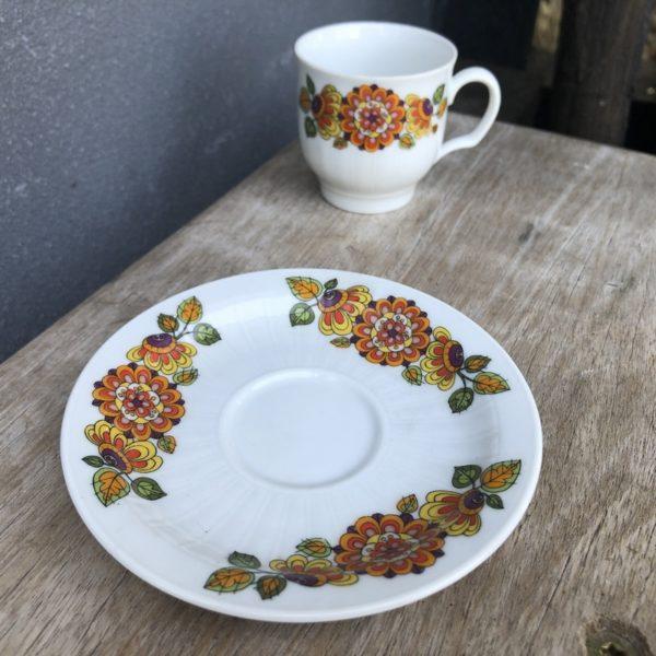 tasse à café, vaisselle vintage, décor floral